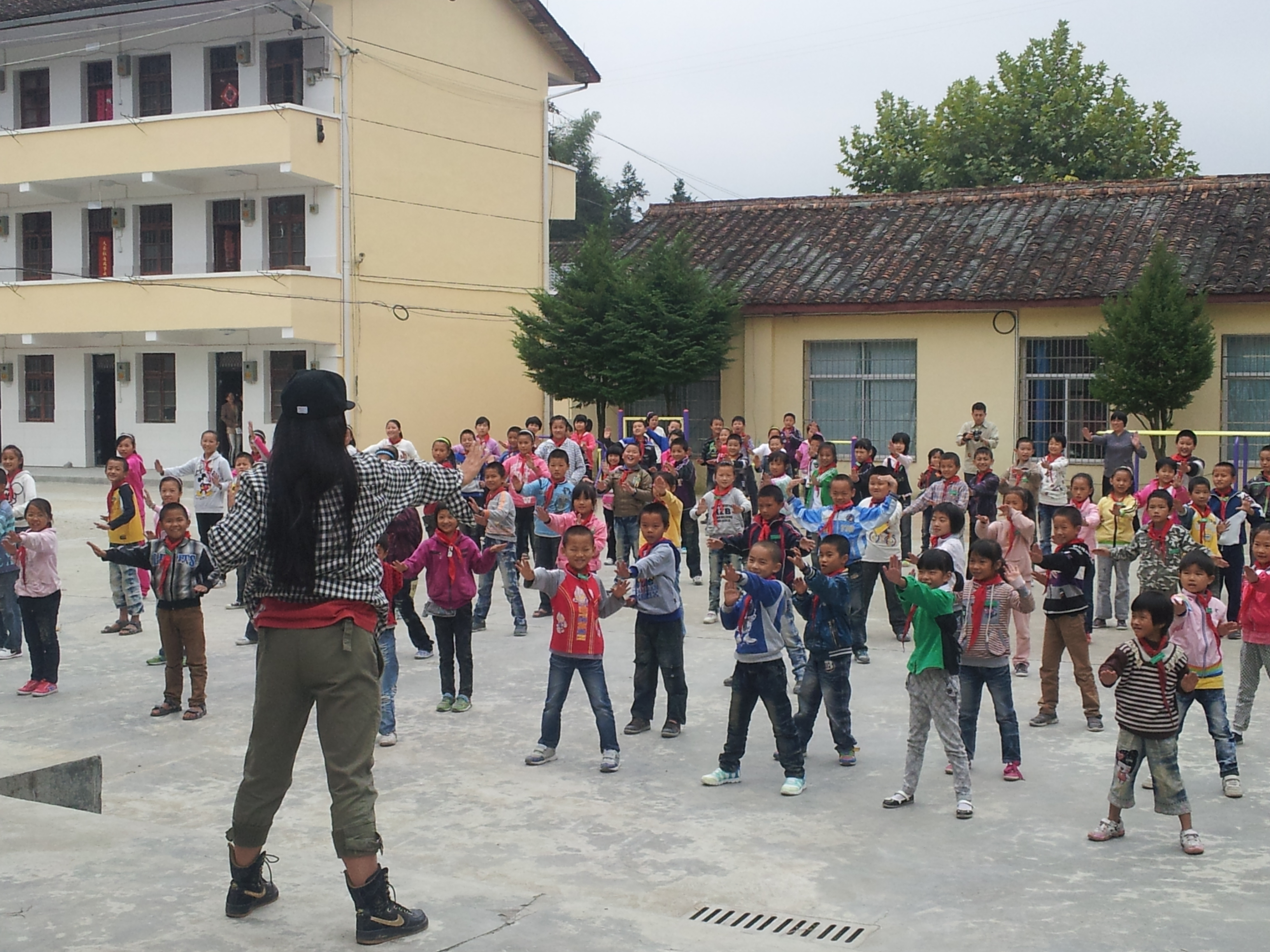 2011年浙江组——全校街舞课